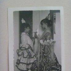 Fotografía antigua: BONITA FOTO DE NIÑAS VESTIDAS DE FLAMENCA. Lote 145232978