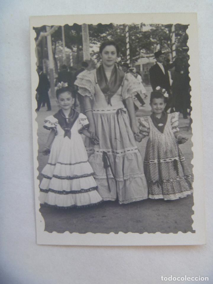 MINUTERO DE FOTOGRAFO DE FERIA : MUJER Y NIÑAS VESTIDA DE FLAMENCA (Fotografía Antigua - Fotomecánica)