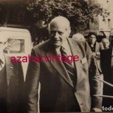 Fotografía antigua: PERPIGNAN, 1977, JOSEP TARRADELLAS, DIAS ANTES DEL VOLVER DEL EXILIO, 240X180MM. Lote 146092110