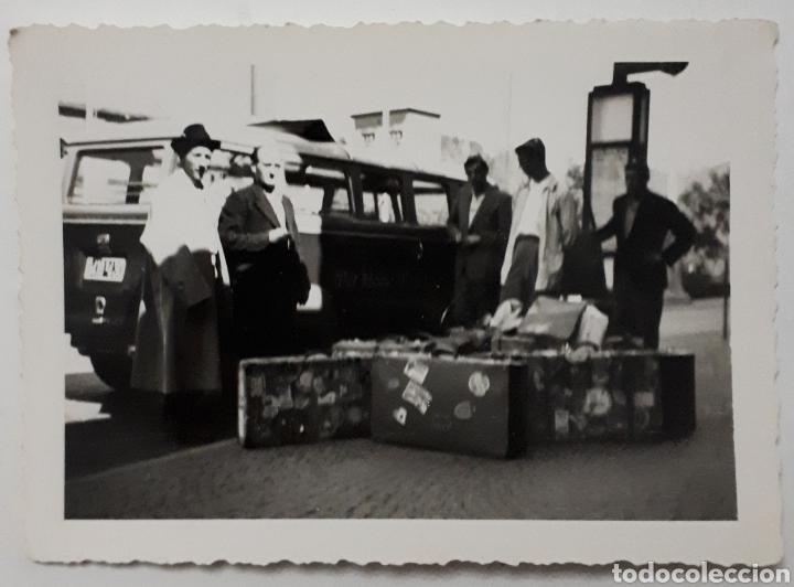 CÁNTABROS QUE PARTICIPARON EN EUROPÄISCHE WOCHEN. PASSAU ALEMANIA. 1953 EN LA ESTACIÓN. (Fotografía Antigua - Fotomecánica)