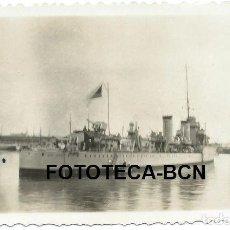 Fotografía antigua: FOTO ORIGINAL BARCO GUERRA DESTRUCTOR JOSE LUIS DIEZ POSIBLEMETE PUERTO BARCELONA AÑOS 30/40. Lote 146649442