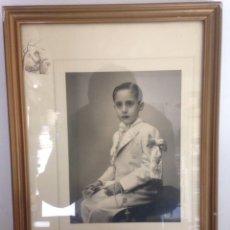 Fotografía antigua: FOTOGRAFÍA ANTIGUA ENMARCADA DE NIÑO PRIMERA COMUNIÓN. Lote 148493680