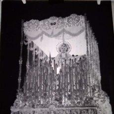 Fotografía antigua: DOS HERMANAS SEVILLA ANTIGUO CLICHÉ DE NTRA SRA DE LOS DOLORES NEGATIVO EN CRISTAL. Lote 149514334