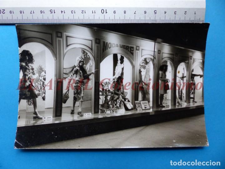 Fotografía antigua: VALENCIA - 12 FOTOGRAFIAS DE LOS ESCAPARATES EL CORTE INGLES - Año 1971 - FINEZAS Y LOPEZ-VIVAS - Foto 4 - 149849306