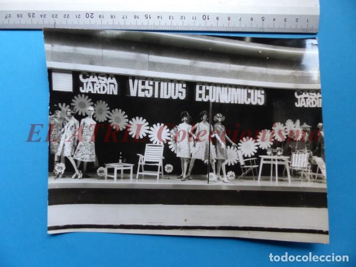 Fotografía antigua: VALENCIA - 12 FOTOGRAFIAS DE LOS ESCAPARATES EL CORTE INGLES - Año 1971 - FINEZAS Y LOPEZ-VIVAS - Foto 12 - 149849306