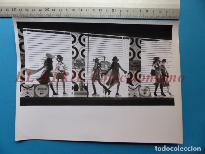 Fotografía antigua: VALENCIA - 12 FOTOGRAFIAS DE LOS ESCAPARATES EL CORTE INGLES - Año 1971 - FINEZAS Y LOPEZ-VIVAS - Foto 17 - 149849306