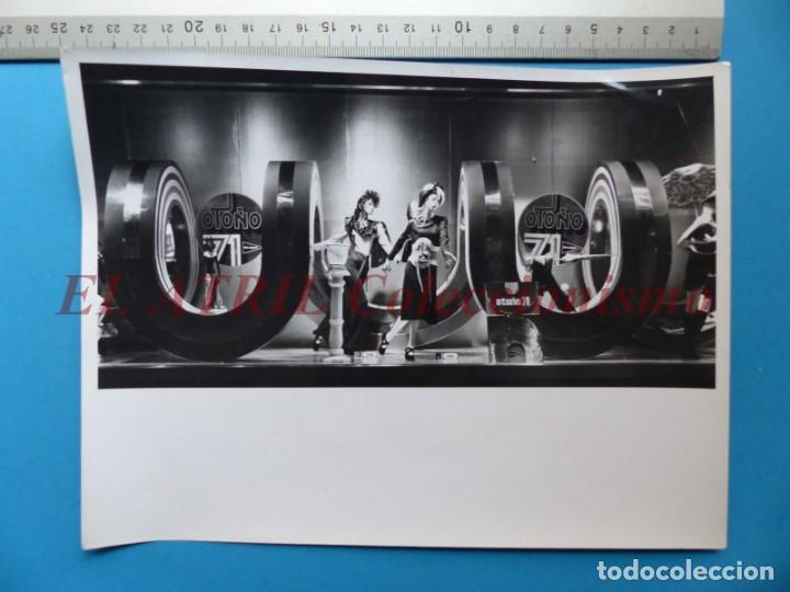 Fotografía antigua: VALENCIA - 12 FOTOGRAFIAS DE LOS ESCAPARATES EL CORTE INGLES - Año 1971 - FINEZAS Y LOPEZ-VIVAS - Foto 23 - 149849306
