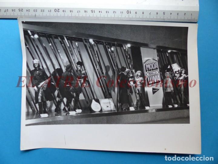 Fotografía antigua: VALENCIA - 12 FOTOGRAFIAS DE LOS ESCAPARATES EL CORTE INGLES - Año 1971 - FINEZAS Y LOPEZ-VIVAS - Foto 25 - 149849306