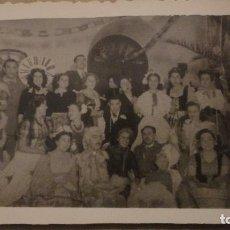 Fotografía antigua: ANTIGUA FOTOGRAFIA DE REPRESENTACION TEATRAL? FOTO CUBERO.ECIJA 1944. Lote 150489990