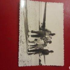 Fotografía antigua: FOTO MILITARES Y FAMILIA DELANTE AVION. Lote 150519205