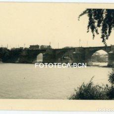 Fotografía antigua: FOTO ORIGINAL ZARAGOZA PUENTE DE PIEDRA RIO EBRO AÑOS 50. Lote 150766658