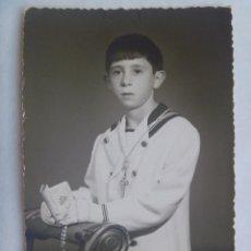 Fotografía antigua: BONITA FOTO DE ESTUDIO DE NIÑO DE PRIMERA COMUNION. DE ARENAS, MALAGA. Lote 151339966