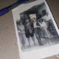 Fotografía antigua: FOTOGRAFIA ORIGINAL DE EDGAR NEVILLE Y JEAN COCTEAU ENTRE OTROS, 13 X 8 CM.. Lote 151490438