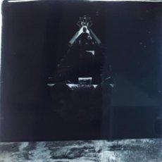 Fotografía antigua: ANTIGUO CLICHÉ SANTUARIO DE NUESTRA SEÑORA DE LA CUEVA ASTURIAS NEGATIVO EN CRISTAL. Lote 151551550