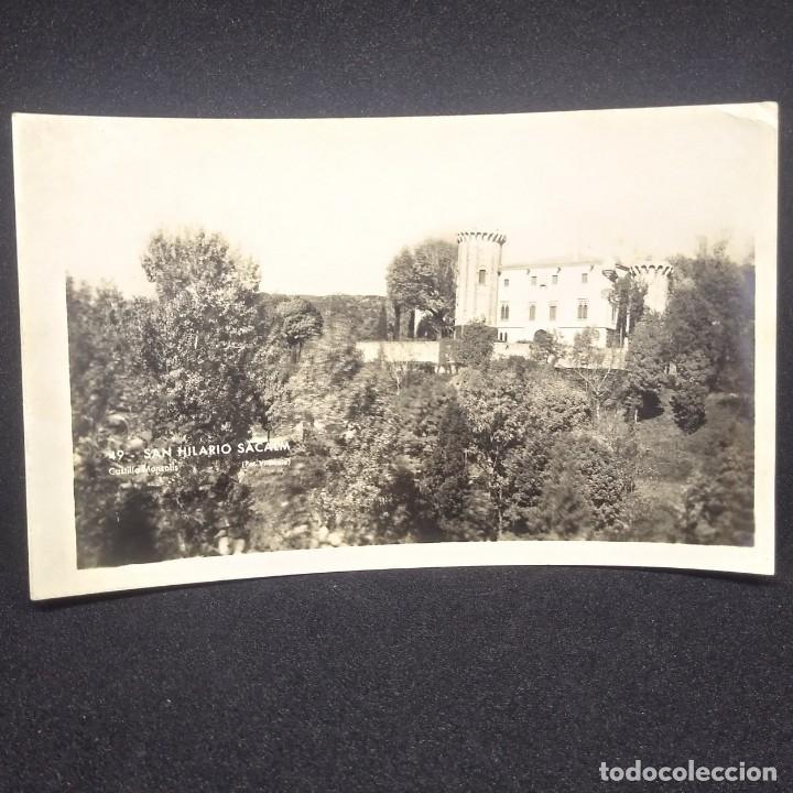 1954 Fotografía Castillo Monsolis. San Hilario de Sacalm escrita por detrás en catalán. Català