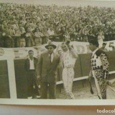 Fotografía antigua: FOTO ORIGINAL DEL TORERO DOMINGO ORTEGA. 1953. Lote 151891750