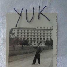 Fotografía antigua: FOTO EN PORTACELI ( VALENCIA ) 1948. Lote 152113190