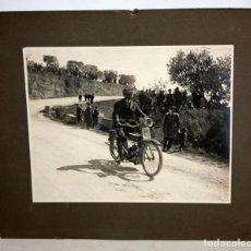 Fotografía antigua: ANTIGUA FOTOGRAFIA-CARRERA DE MOTOS- 1920-MALLORCA-23 CM X 28 CM.. Lote 153271890