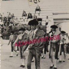 Fotografía antigua: PLAZA DE TOROS DE ALGECIRAS, PASEILLO, FOT.MARTIN,85X135MM. Lote 155291118