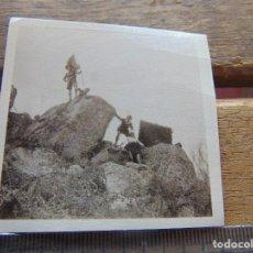 Fotografía antigua: FOTO FOTOGRAFIA BOY SCOUTS O SIMILAR NIÑOS DE ESCURSION SIERRA . Lote 155587302