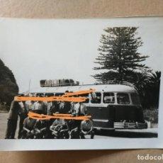 Fotografía antigua: ANTIGUA FOTOGRAFÍA. AUTOBÚS. PARQUE MÓVIL MINISTERIAL. FOTO.. Lote 158667918