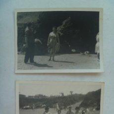 Fotografía antigua - LOTE DE 2 FOTOS DE GENTE EN LA PLAYA DE PERLORA ( ASTURIAS ), 1960 - 160305394