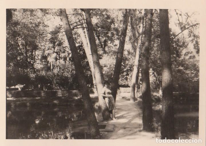 Fotografía antigua: 2 fotografías tomadas en el Monasterio de Piedra, Zaragoza. Años 60. - Foto 2 - 160980382