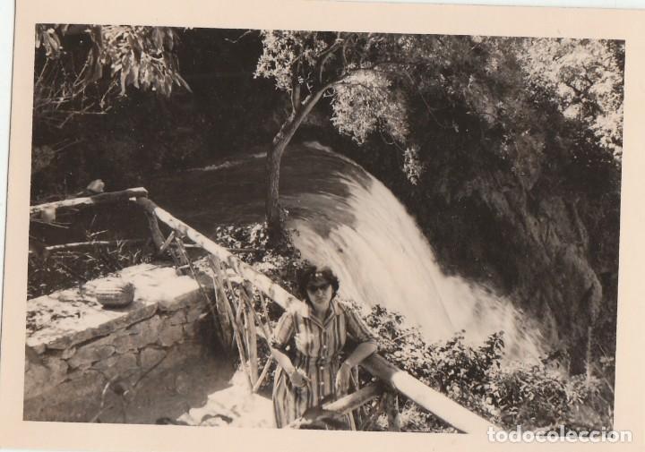 2 FOTOGRAFÍAS TOMADAS EN EL MONASTERIO DE PIEDRA, ZARAGOZA. AÑOS 60. (Fotografía Antigua - Fotomecánica)