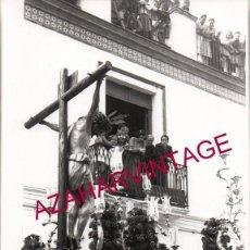 Fotografía antigua: SEMANA SANTA SEVILLA, AÑOS 30, CRISTO DE SAN BERNARDO, 128X178MM. LEER DESCRIPCION. Lote 161696646