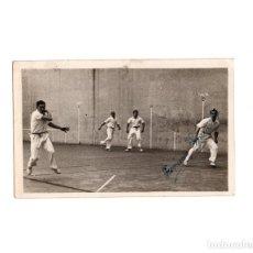 Fotografía antigua: FOTOGRAFÍA PELOTA A MANO 1949. DETRÁS DESCRIPCIÓN. CAMPEONES DE ESPAÑA 1949. 9 X 14 CM. Lote 161894982