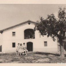Fotografía antigua: BONITA FOTOGRAFÍA CAMPESTRE. CASA DE LABRANZA, MASÍA. AÑOS 60.. Lote 162926010