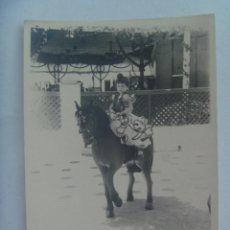Fotografía antigua: MINUTERO DE FOTOGRAFO DE FERIA : NIÑA VESTIDA DE FLAMENCA EN CABALLITO. Lote 163786714