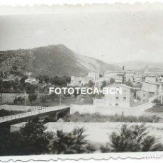 Fotografía antigua: FOTO ORIGINAL POBLA DE SEGUR PUENTE SOBRE EL RIO NOGUERA PALLARESA AÑO 1952. Lote 164225550
