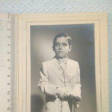 Fotografía antigua: FOTOGRAFÍA NIÑO PRIMERA COMUNIÓN AÑOS 50 A 60 FOTOGRAFÍA VER FOTOS. Lote 164426890