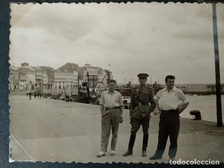 Fotografía antigua: LOTE 4 FOTOGRAFIAS DE A CORUÑA. GALICIA. AÑO1957. (10cm x 7cm). MILITAR.. - Foto 3 - 165058434