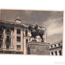 Fotografía antigua: CÓRDOBA.- GONZALO FERNÁNDEZ DE CÓRDOBA. MONUMENTO AL GRAN CAPITÁN,PLAZA DE LAS TENDILLAS.12 X 17. Lote 165324054