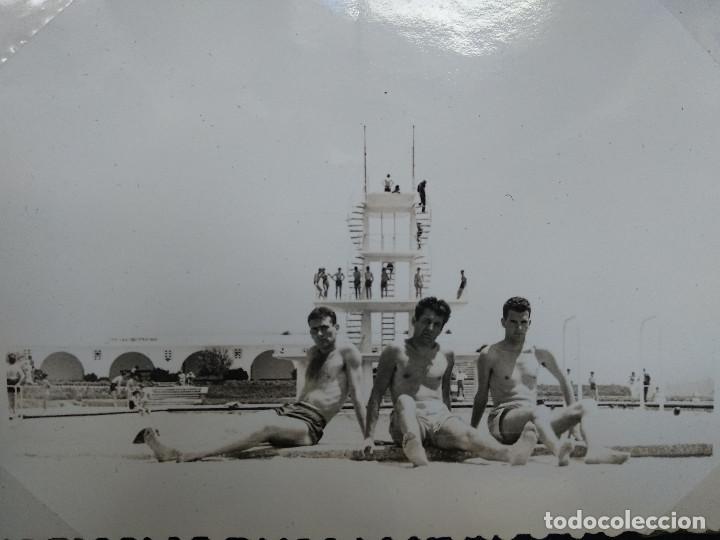 Fotografía antigua: LOTE 5 FOTOGRAFIAS ZONA LA TOJA.. PONTEVEDRA... GALICIA. AÑO1957. (10cm x 7cm). - Foto 3 - 165340370