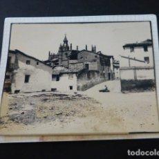 Fotografía antigua: HUESCA ESCENA FOTOGRAFIA AL CARBON 1935 POR ROBERT GILLON PRESIDENTE SENADO BELGICA. Lote 165749122