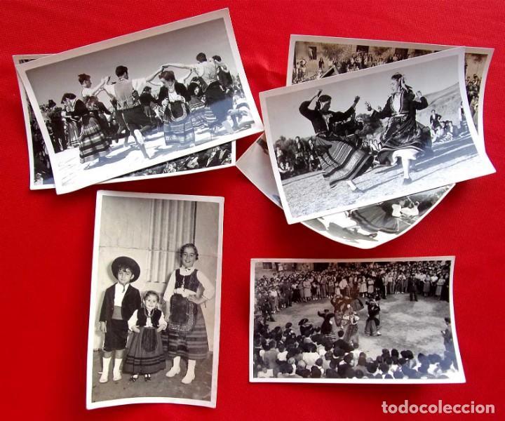 Fotografía antigua: BURGOS. 7 FOTOS. BAILES EN TRAJE REGIONAL. GUARDIA CIVIL. AÑO: 1954. FOTO FEDE. BUEN ESTADO. - Foto 2 - 166748182