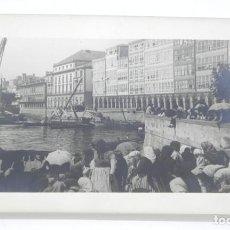 Fotografía antigua: FOTOGRAFIA DE EL PUERTO DE VIGO, AÑOS 30 / 40, MIDE 18 X 13 CMS. Lote 168890016