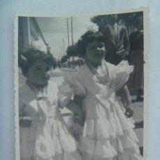 Fotografía antigua: MINUTERO DE FOTOGRAFO DE FERIA : NIÑAS VESTIDAS DE FLAMENCA.. Lote 169235420