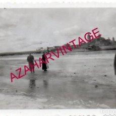 Fotografía antigua: SALAMANCA, 1956, RIO TORMES HELADO, 90X64MM. Lote 169340000