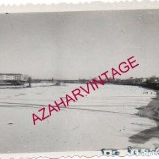 Fotografía antigua: SALAMANCA, 1956, RIO TORMES HELADO, 90X64MM. Lote 169340076