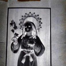 Fotografía antigua: SAN FERNANDO CÁDIZ ANTIGUO CLICHÉ DE NIÑA MARÍA NEGATIVO EN CRISTAL. Lote 169407076