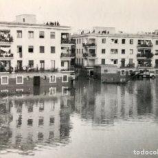 Fotografía antigua: ANTIGUA FOTOGRAFÍA ORIGINAL DE UNA RIADA EN SEVILLA.. Lote 169597141