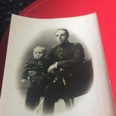 Fotografía antigua: FOTOGRAFIA ORIGINAL DEL REY ALFONSO XIII Y SU HIJO EL INFANTE DON ALFONSO. Lote 169930392