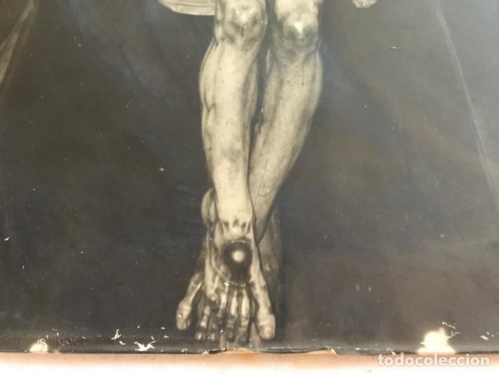Fotografía antigua: SEMANA SANTA SEVILLA. ANTIGUA E INMENSA FOTOGRAFÍA SOBRE TABLEX. CRISTO DEL AMOR. 47 x 56 - Foto 4 - 170241985