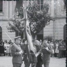 Fotografía antigua: FOTOGRAFÍA ANTIGUA JURA DE BANDERA 1960. Lote 171374177