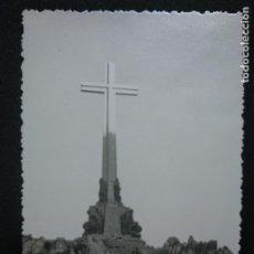Fotografía antigua: FOTOGRAFÍA ANTIGUA VALLE DE LOS CAÍDOS FRANCO JUAN DE ÁVALOS. Lote 171461724