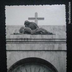 Fotografía antigua: FOTOGRAFÍA ANTIGUA VALLE DE LOS CAÍDOS FRANCO JUAN DE ÁVALOS. Lote 171461745